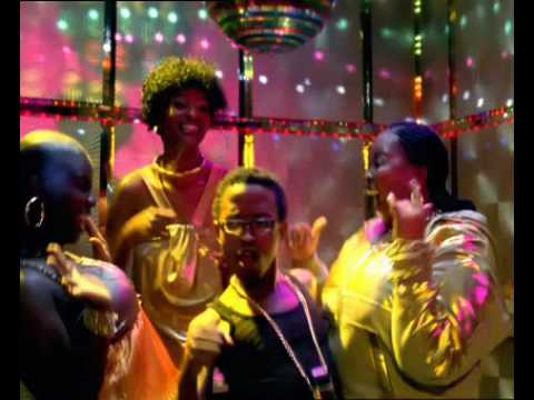 Nokia E65 Advert – dancing in the lift